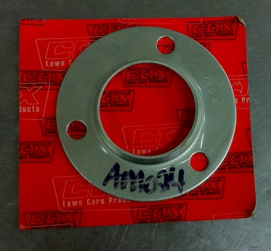 Cox, Axle Flange, (AM024)