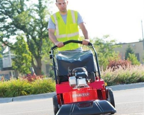 Outdoor Vacuum | Ariens APV Self Propelled